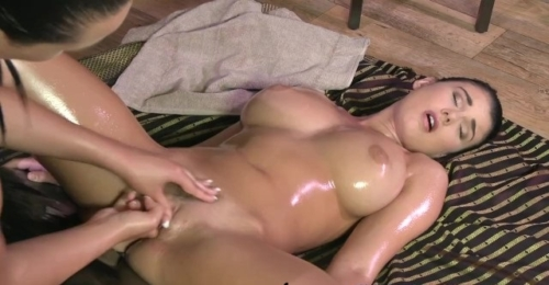 Teen With Incredible Massive Natural Breasts Cums Hard
