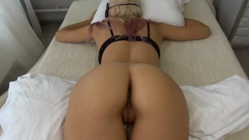 Step Sister Wakes Up To A Hard Cock